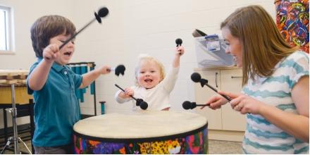 برگزاری کلاس بازی و موسیقی مادر و کودک