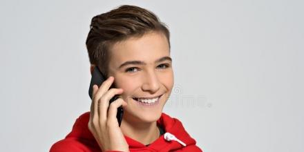 تلفن همراه برای نوجوانان آری یا خیر؟!